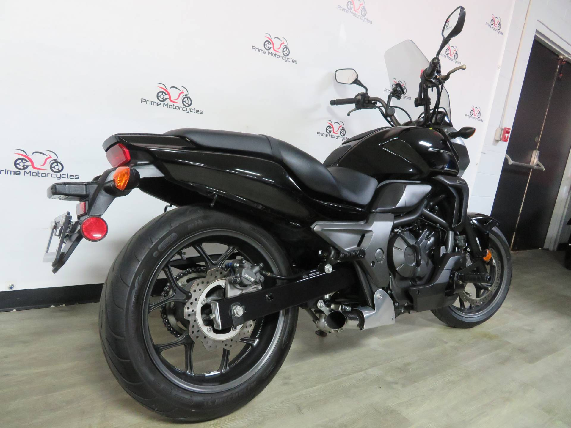 2014 Honda CTX®700N in Sanford, Florida - Photo 8