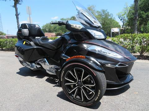 2015 Can-Am Spyder® RT Limited in Sanford, Florida - Photo 2