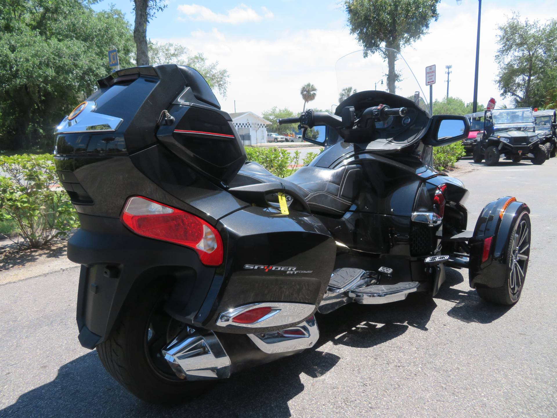 2015 Can-Am Spyder® RT Limited in Sanford, Florida - Photo 10