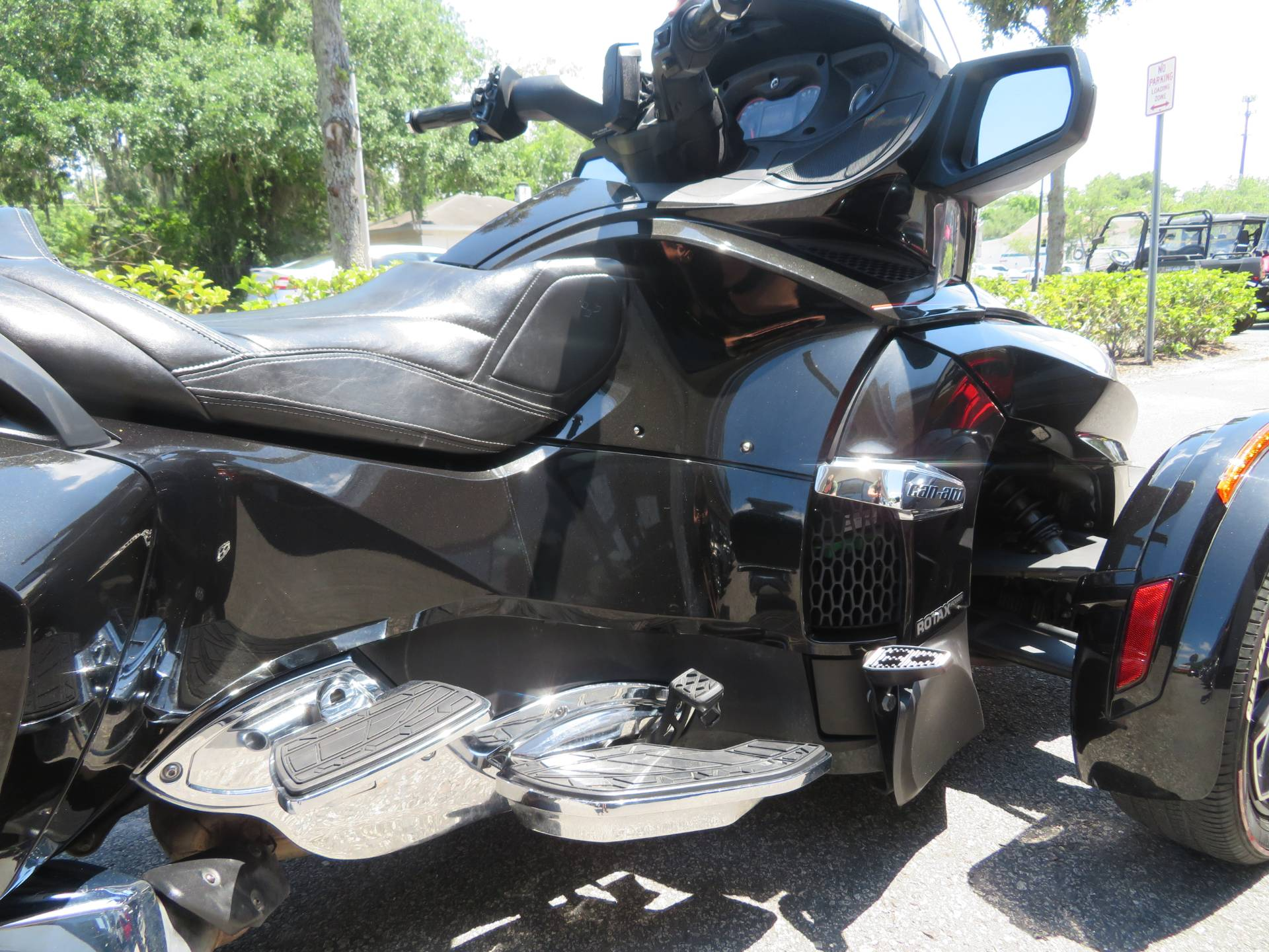 2015 Can-Am Spyder® RT Limited in Sanford, Florida - Photo 12