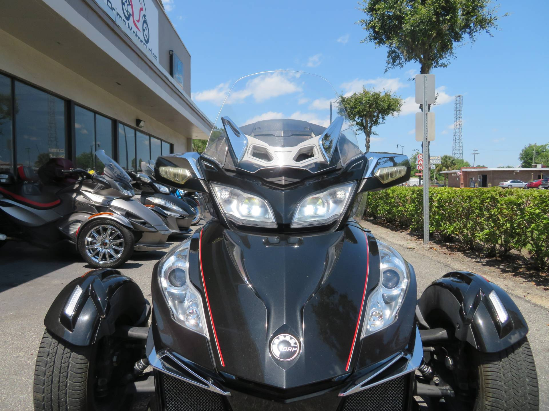 2015 Can-Am Spyder® RT Limited in Sanford, Florida - Photo 17
