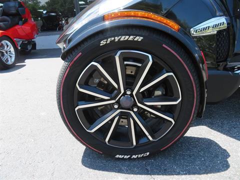 2015 Can-Am Spyder® RT Limited in Sanford, Florida - Photo 20
