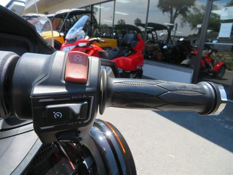 2015 Can-Am Spyder® RT Limited in Sanford, Florida - Photo 32