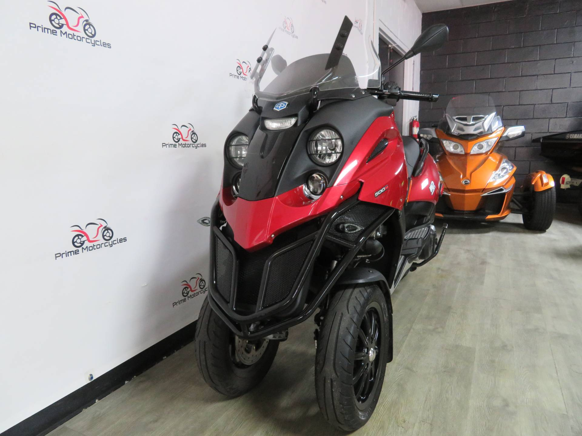 2009 Piaggio MP3 500 in Sanford, Florida - Photo 3