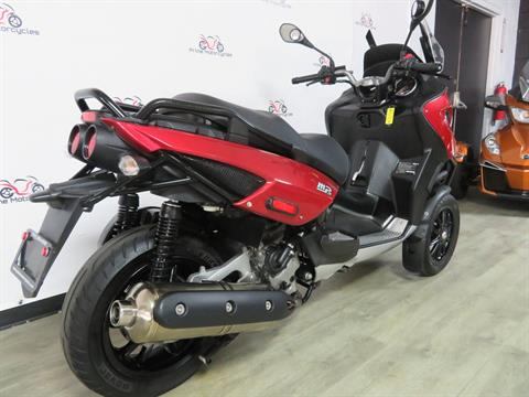 2009 Piaggio MP3 500 in Sanford, Florida - Photo 8