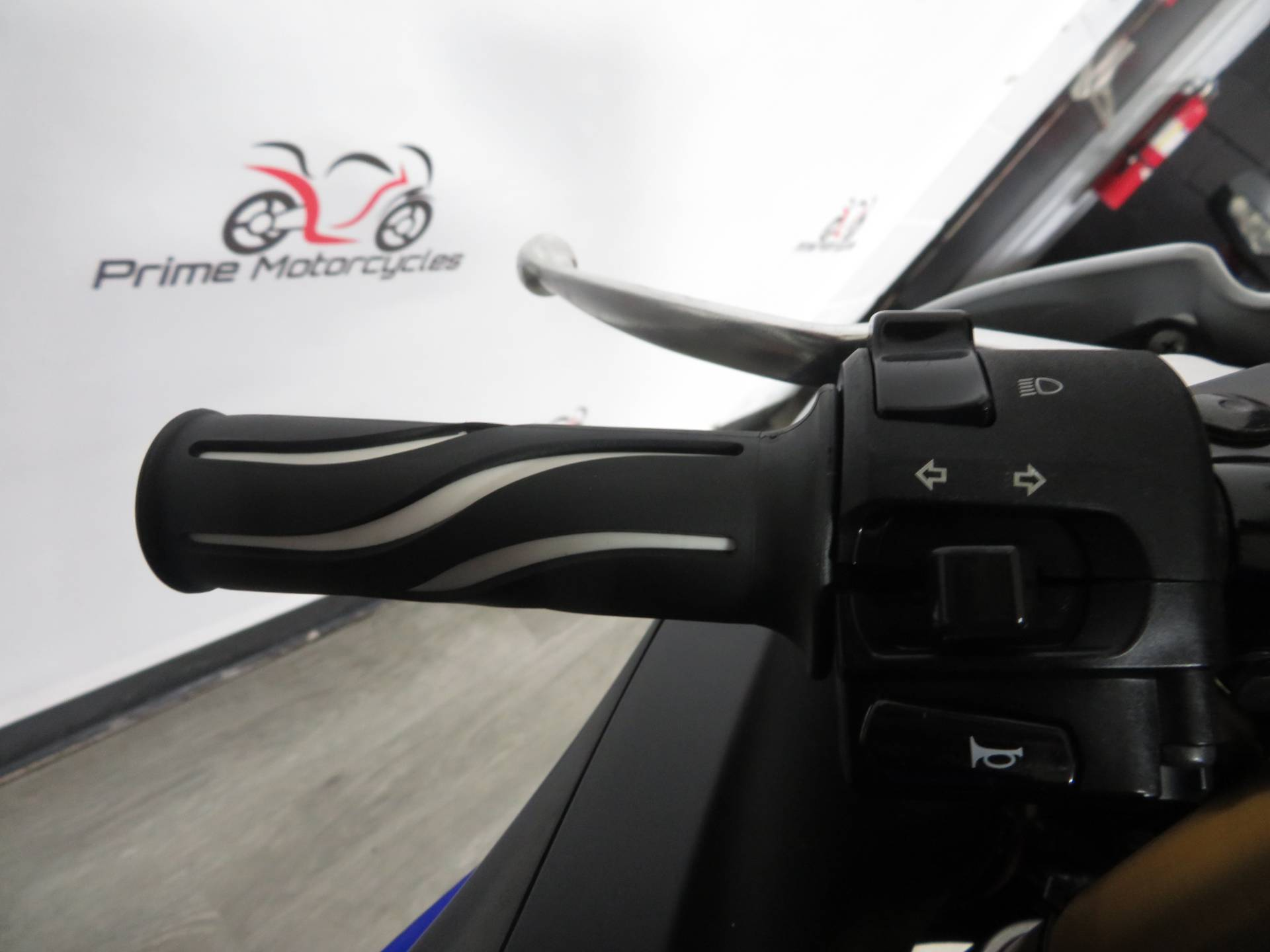 2011 Yamaha YZF-R6 in Sanford, Florida - Photo 25