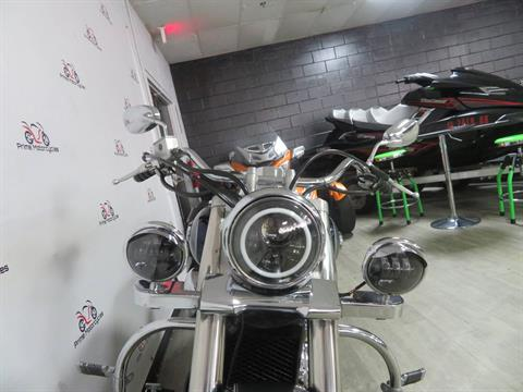 2004 Suzuki Intruder Volusia 800 in Sanford, Florida - Photo 16