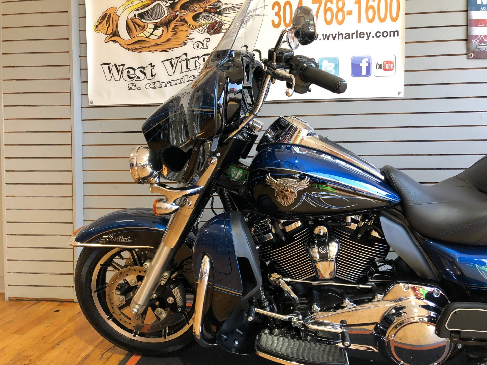 2018 Harley-Davidson 115th Anniversary Ultra Limited in South Charleston, West Virginia - Photo 5