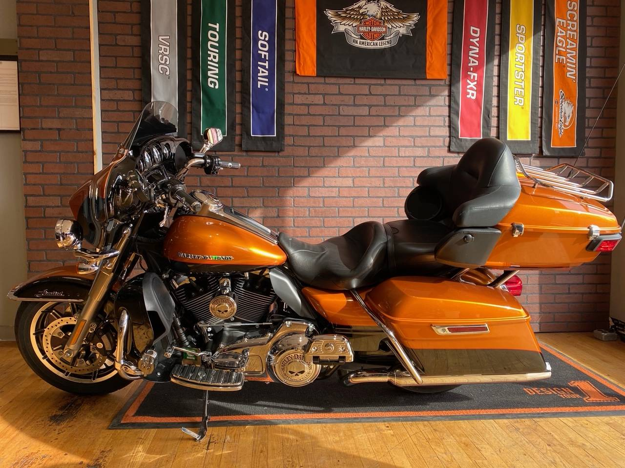 2016 Harley-Davidson Ultra Limited in South Charleston, West Virginia - Photo 4