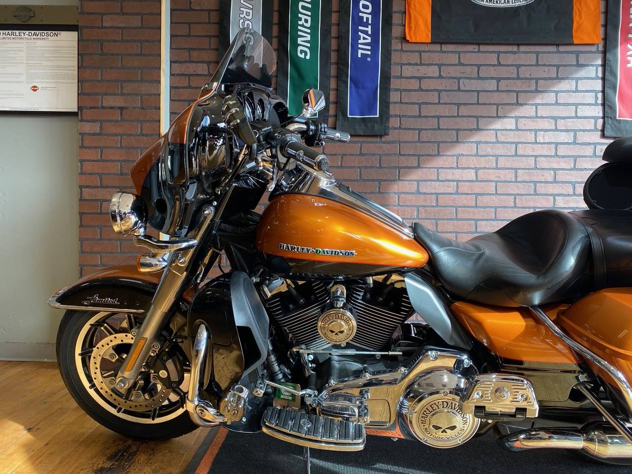 2016 Harley-Davidson Ultra Limited in South Charleston, West Virginia - Photo 5