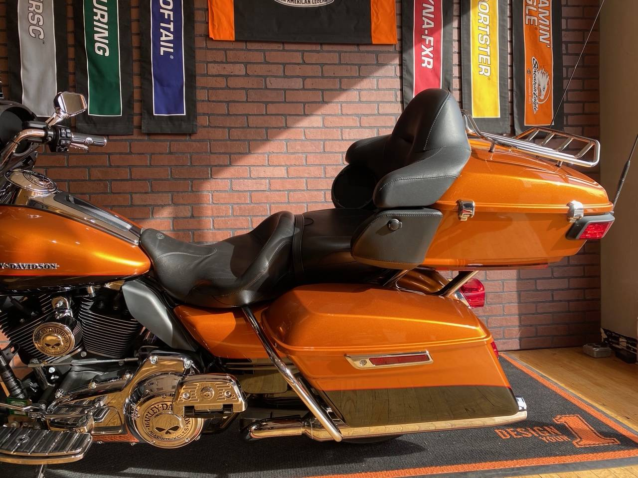 2016 Harley-Davidson Ultra Limited in South Charleston, West Virginia - Photo 6