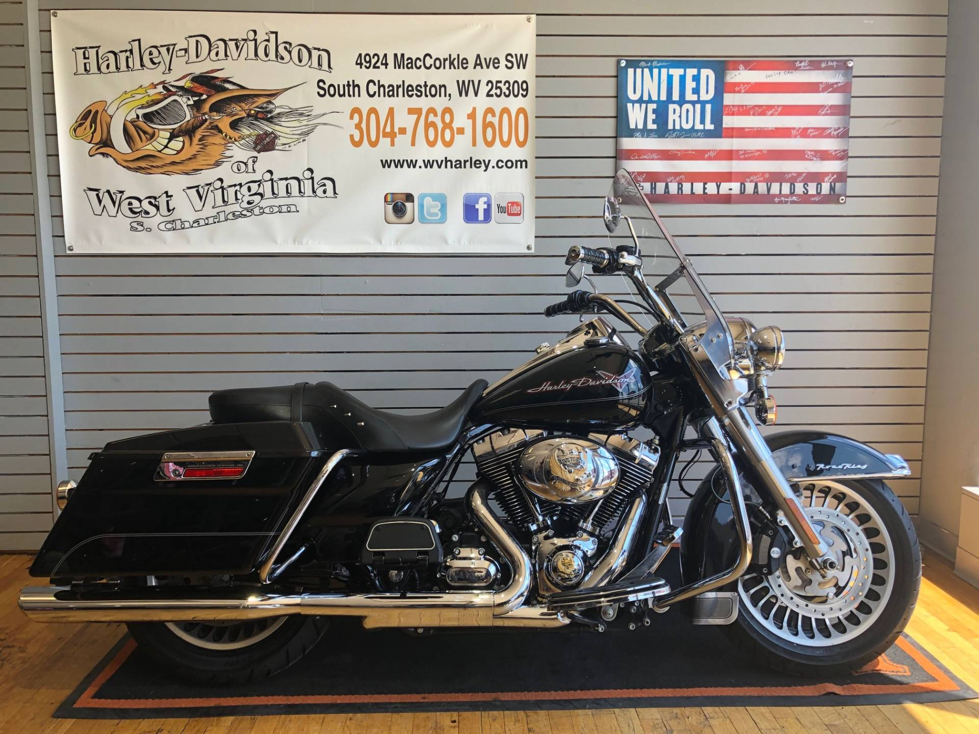 2009 Harley-Davidson Road King® in South Charleston, West Virginia - Photo 1