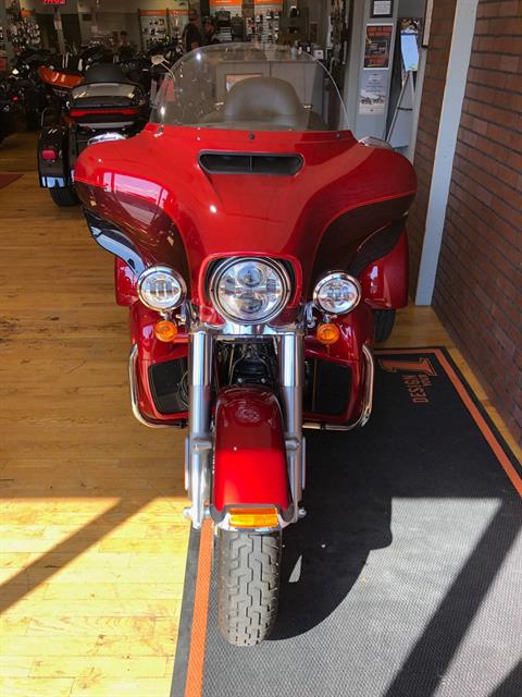 2018 Harley-Davidson Tri Glide® Ultra in South Charleston, West Virginia - Photo 7
