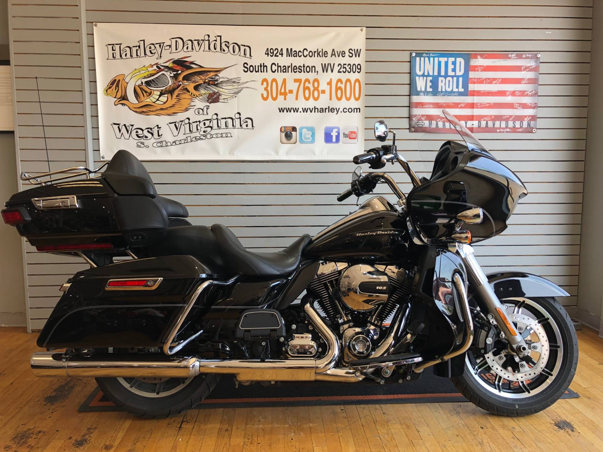 2016 Harley-Davidson Road Glide® Ultra in South Charleston, West Virginia - Photo 1