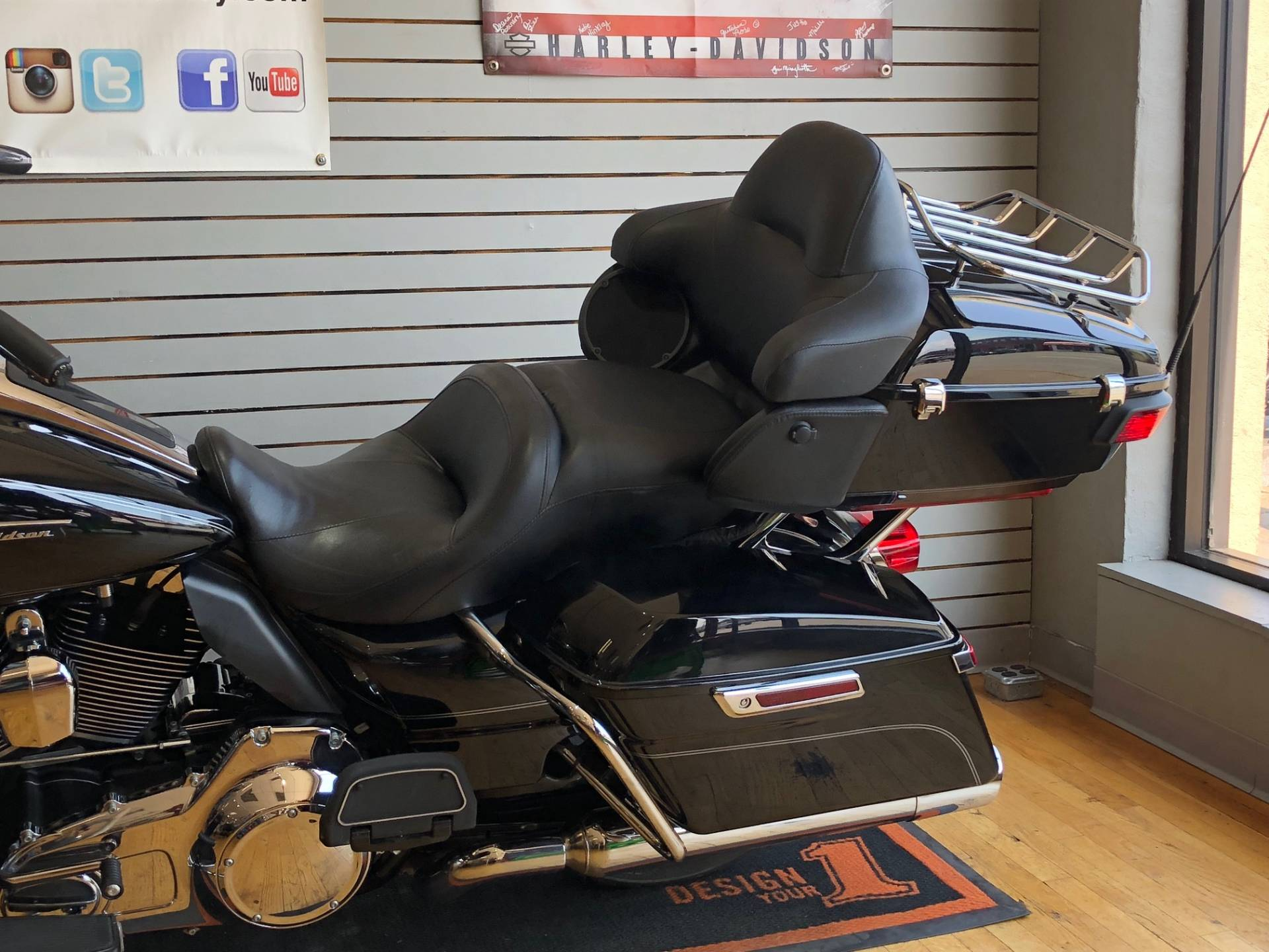 2016 Harley-Davidson Road Glide® Ultra in South Charleston, West Virginia - Photo 6