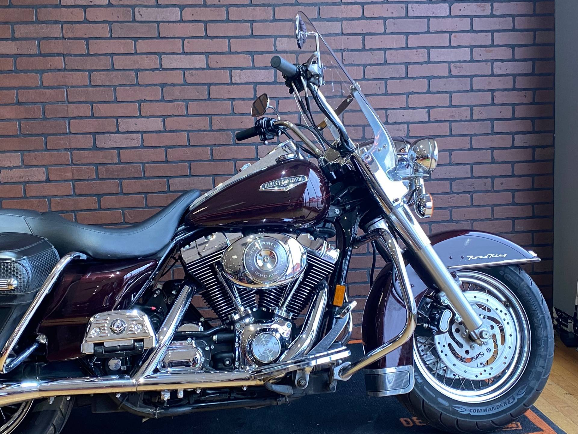 2005 Harley-Davidson FLHRCI Road King® Classic in South Charleston, West Virginia - Photo 2