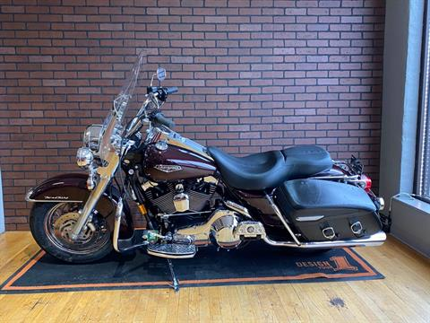 2005 Harley-Davidson FLHRCI Road King® Classic in South Charleston, West Virginia - Photo 4
