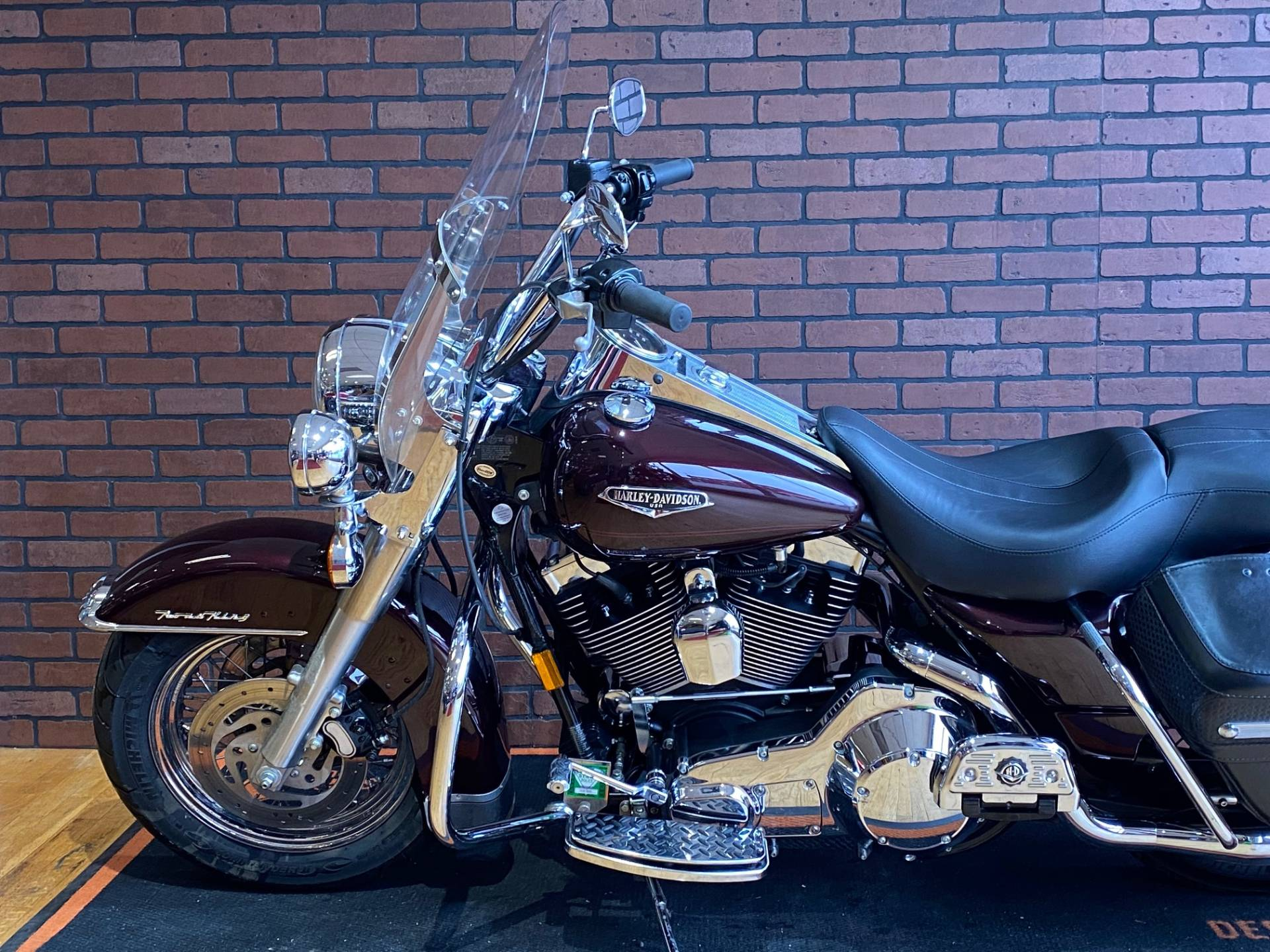 2005 Harley-Davidson FLHRCI Road King® Classic in South Charleston, West Virginia - Photo 5