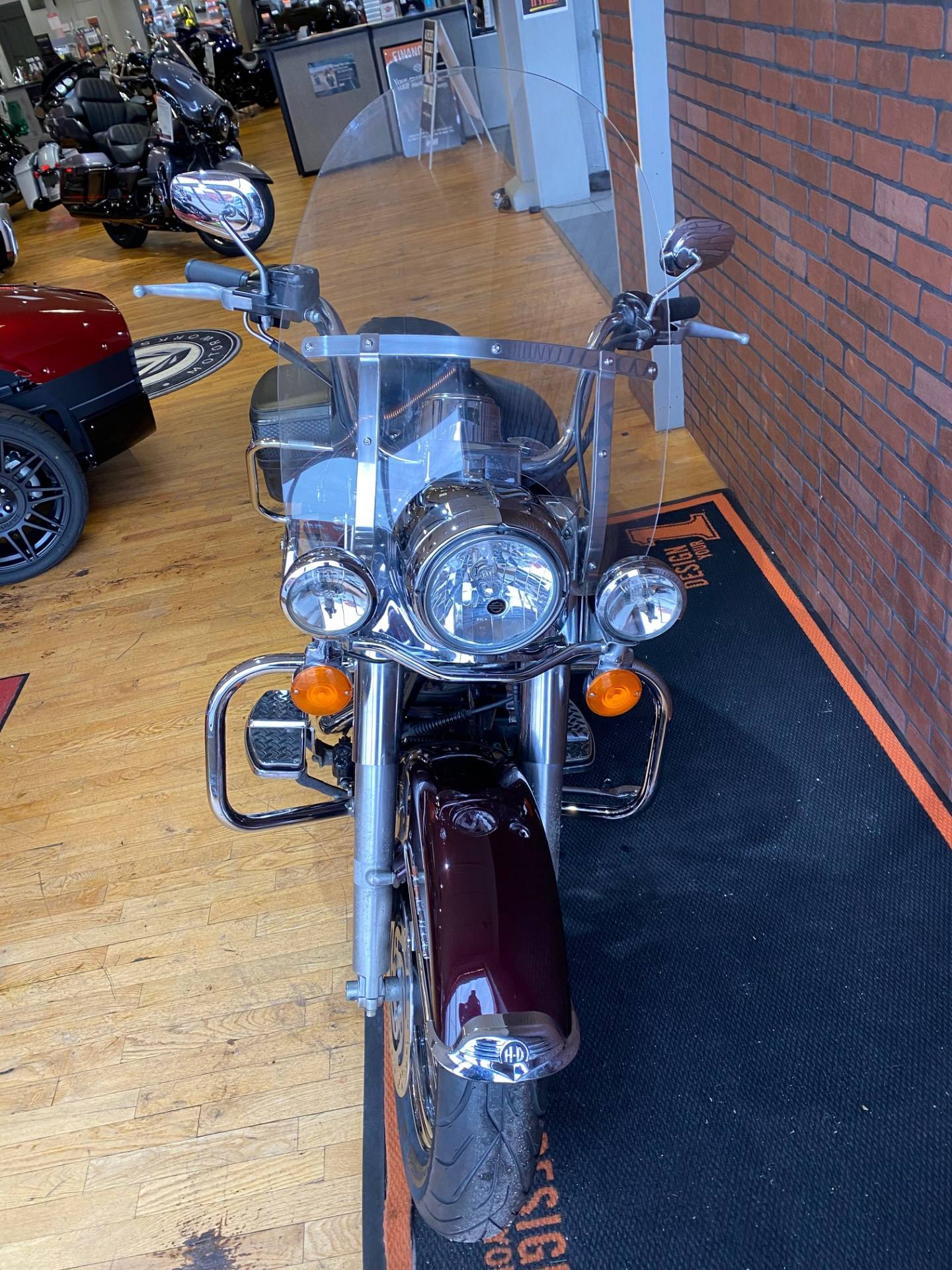2005 Harley-Davidson FLHRCI Road King® Classic in South Charleston, West Virginia - Photo 7