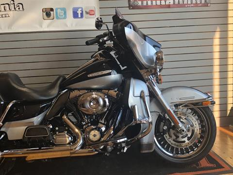 2013 Harley-Davidson Electra Glide® Ultra Limited in South Charleston, West Virginia - Photo 2