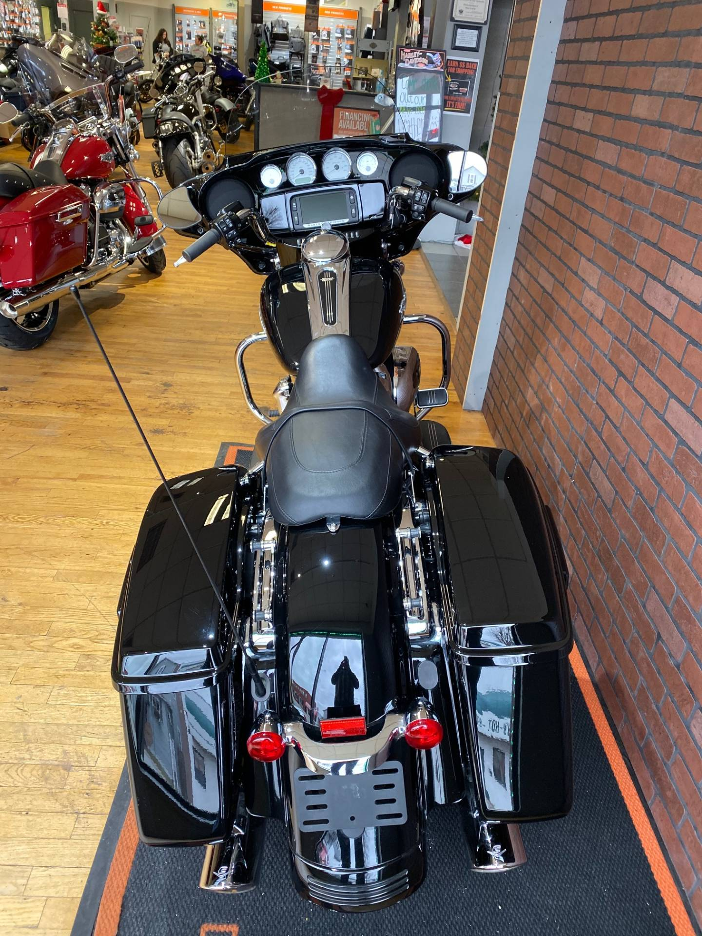 2017 Harley-Davidson Street Glide® Special in South Charleston, West Virginia - Photo 8