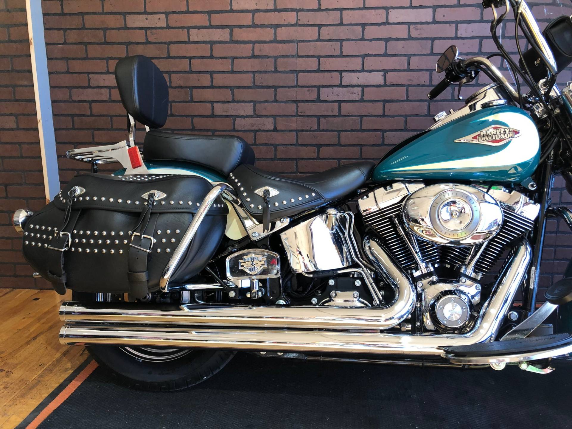 2009 Harley-Davidson Heritage Softail® Classic in South Charleston, West Virginia - Photo 6
