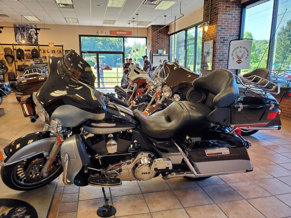 2012 Harley-Davidson Electra Glide® Ultra Limited in Hico, West Virginia - Photo 2