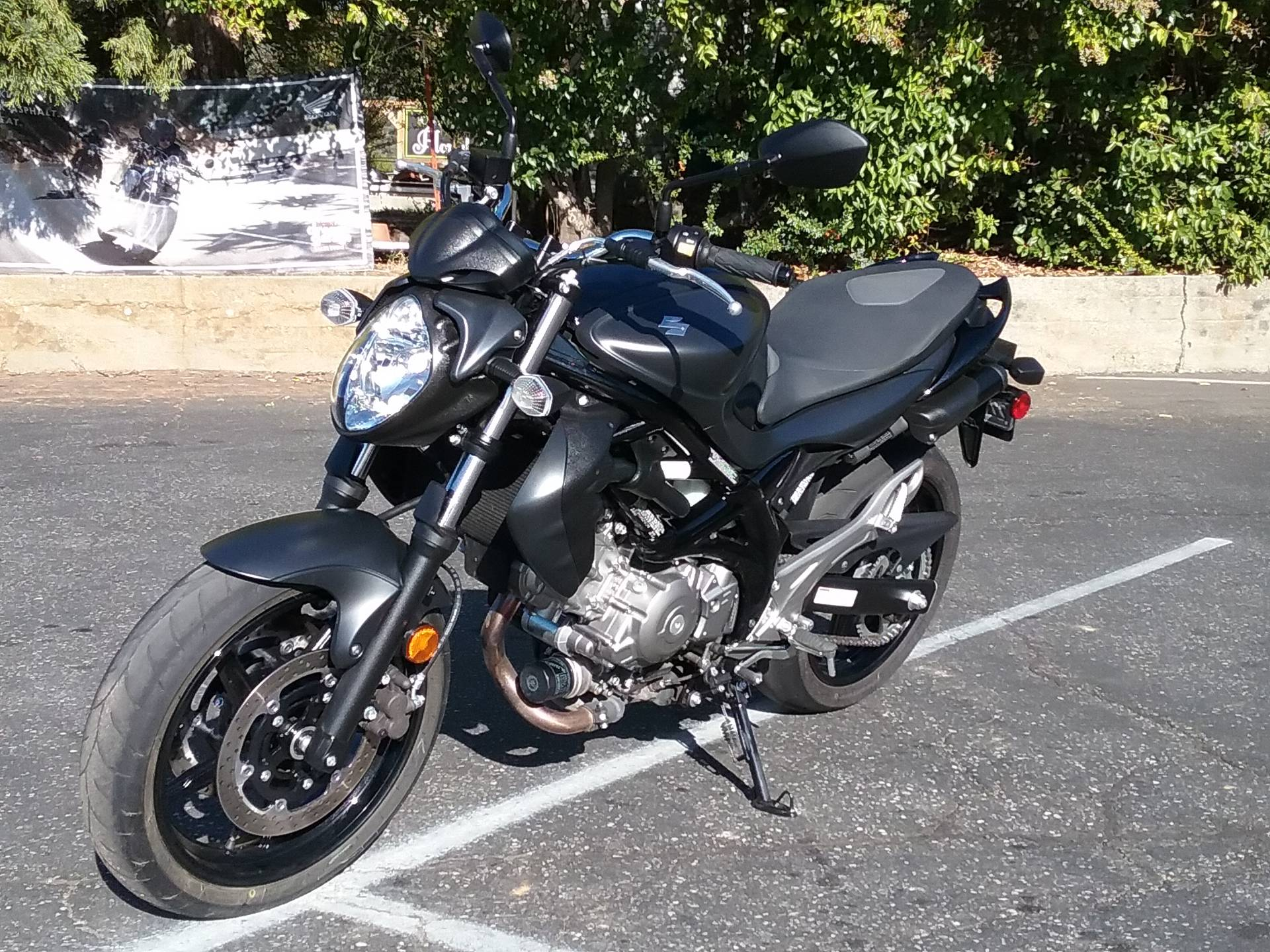 2013 Suzuki SFV650 in Grass Valley, California - Photo 2