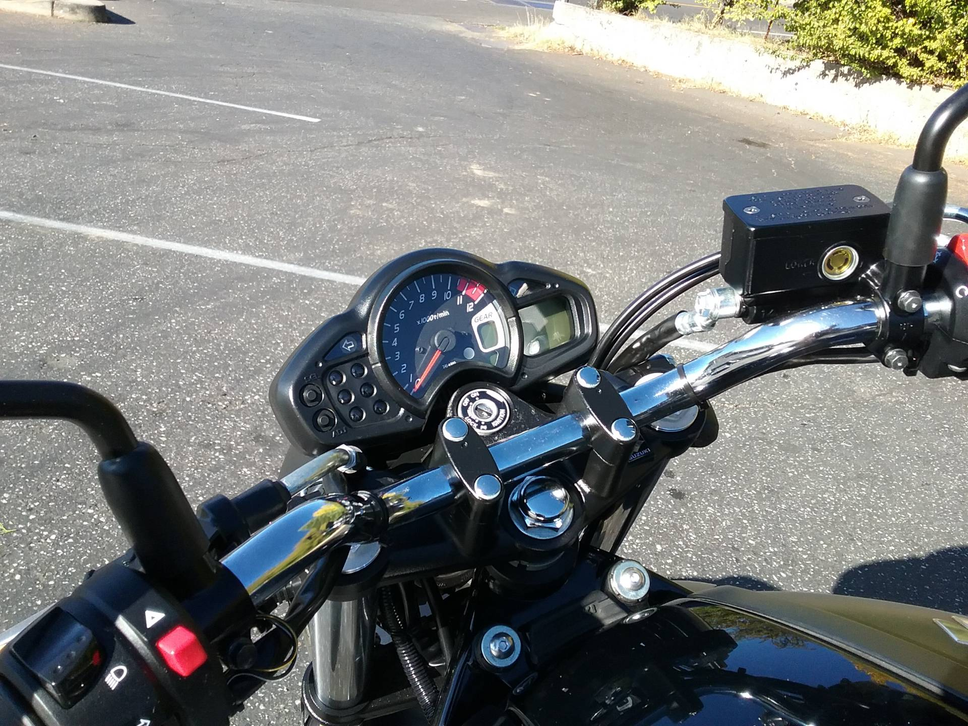 2013 Suzuki SFV650 in Grass Valley, California - Photo 11