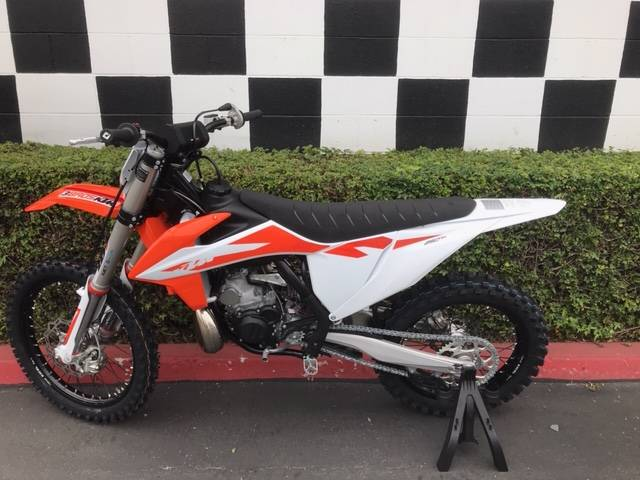 2020 KTM 250 SX in Costa Mesa, California - Photo 2