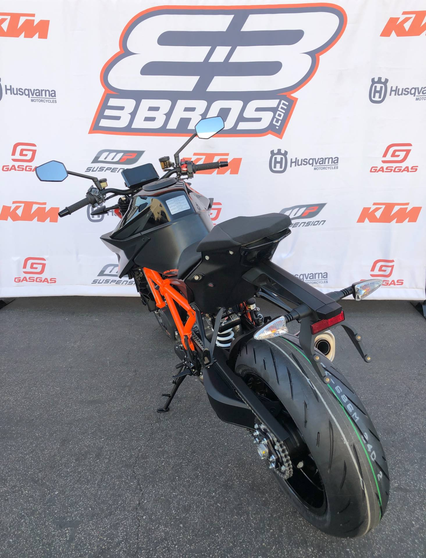 2021 KTM 1290 Super Duke R in Costa Mesa, California - Photo 6
