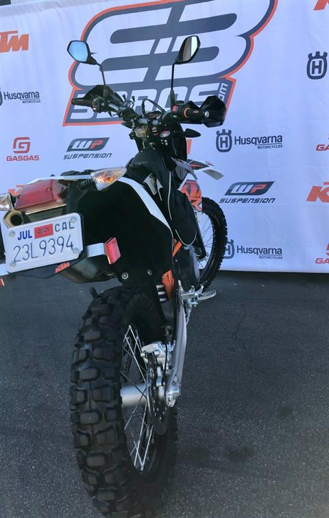 2017 KTM 690 Enduro R in Costa Mesa, California - Photo 6