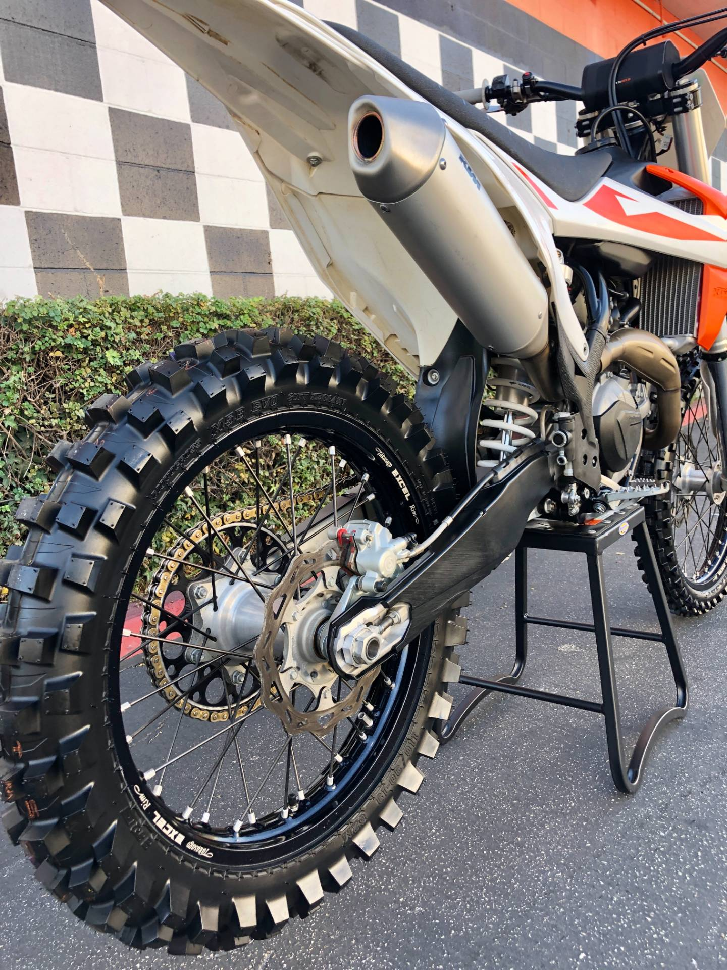 2019 KTM 450 SX-F in Costa Mesa, California - Photo 8