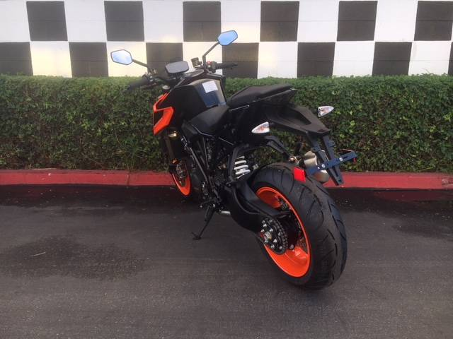 2019 KTM 1290 Super Duke R in Costa Mesa, California - Photo 9