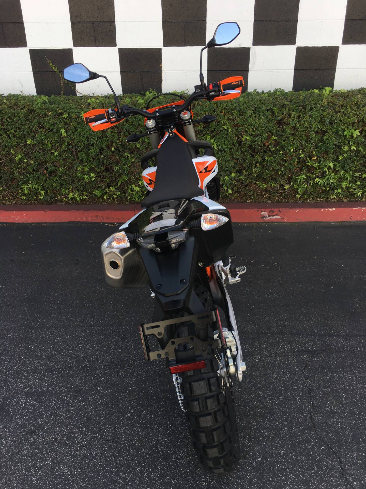 2020 KTM 690 Enduro R in Costa Mesa, California - Photo 4