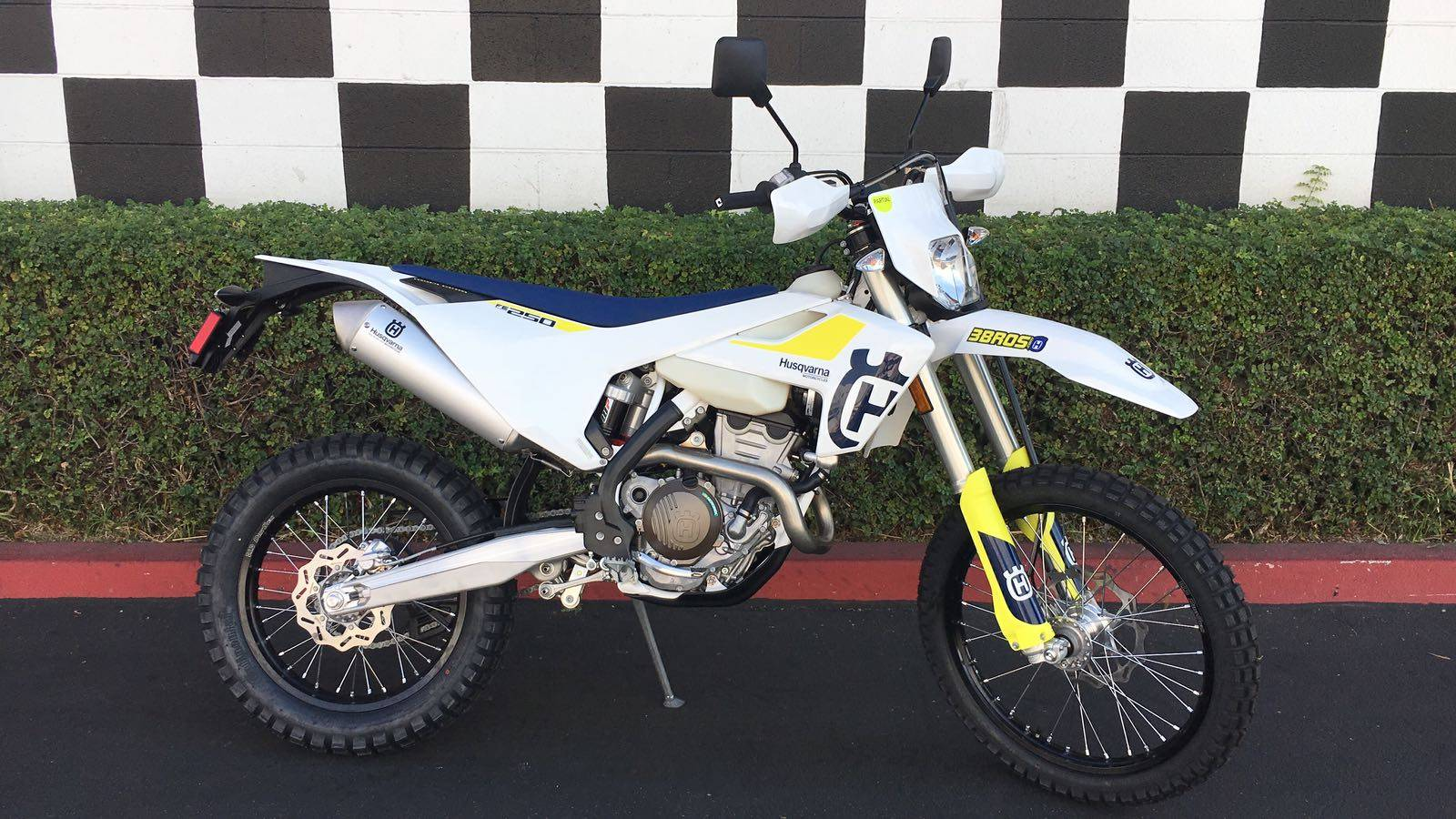 2019 Husqvarna FE 250 in Costa Mesa, California - Photo 1