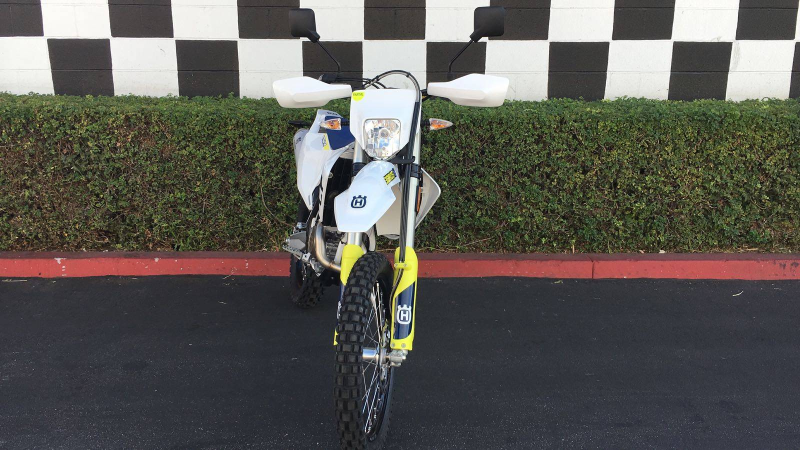 2019 Husqvarna FE 250 in Costa Mesa, California - Photo 3