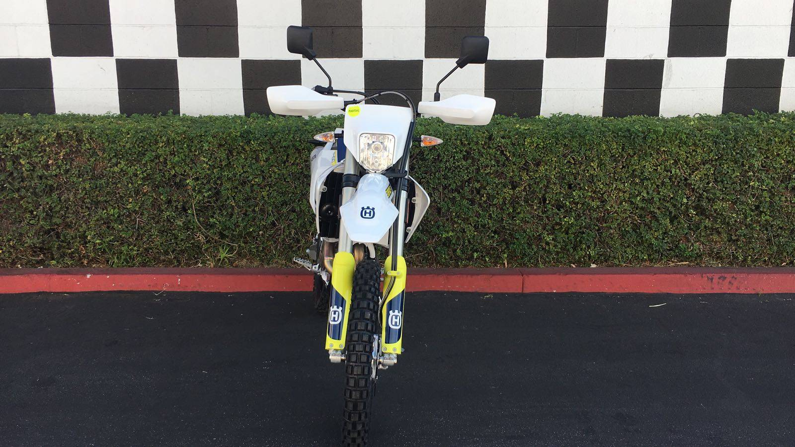 2019 Husqvarna FE 450 in Costa Mesa, California - Photo 3