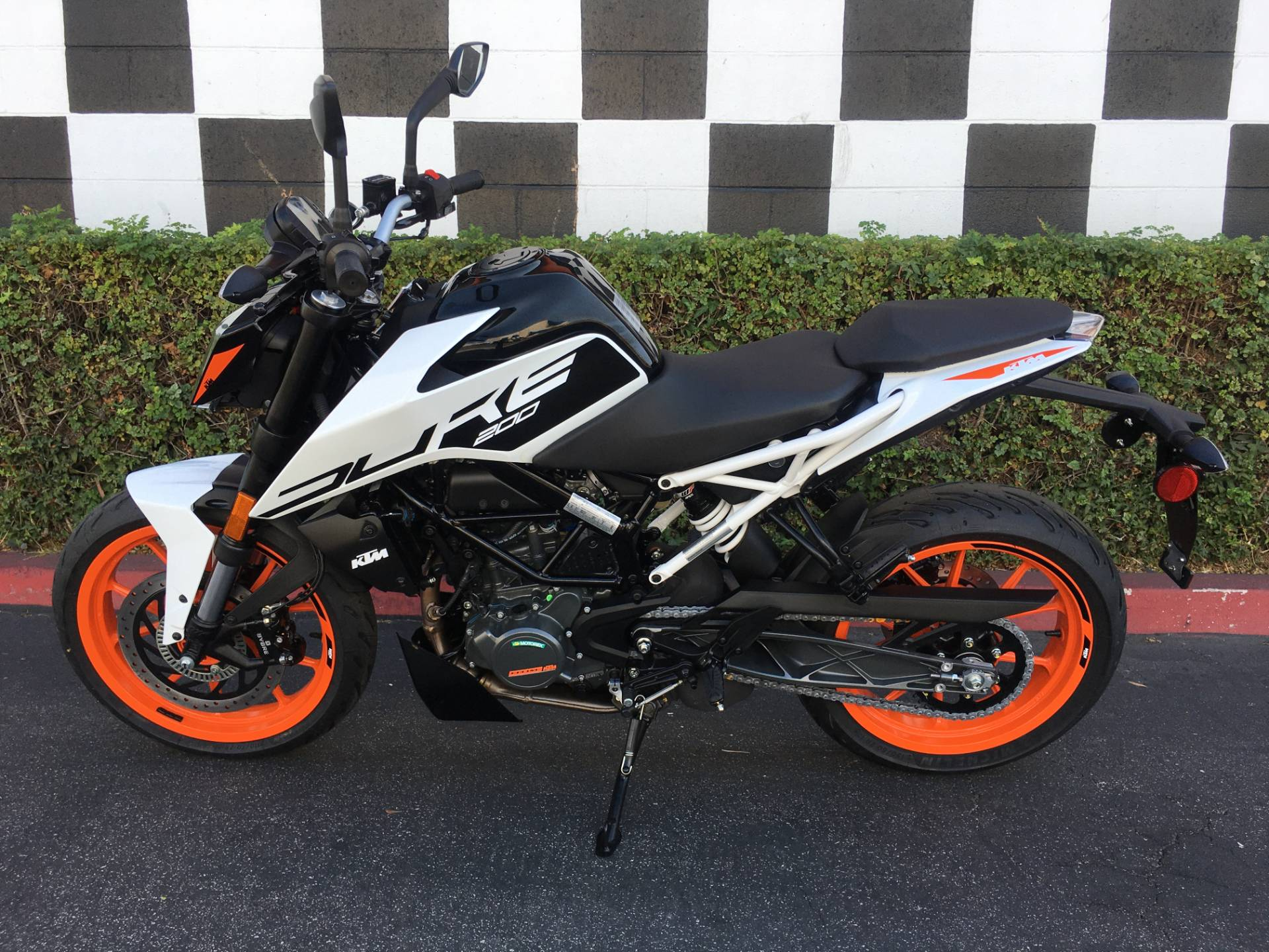 2020 KTM 200 Duke in Costa Mesa, California - Photo 2