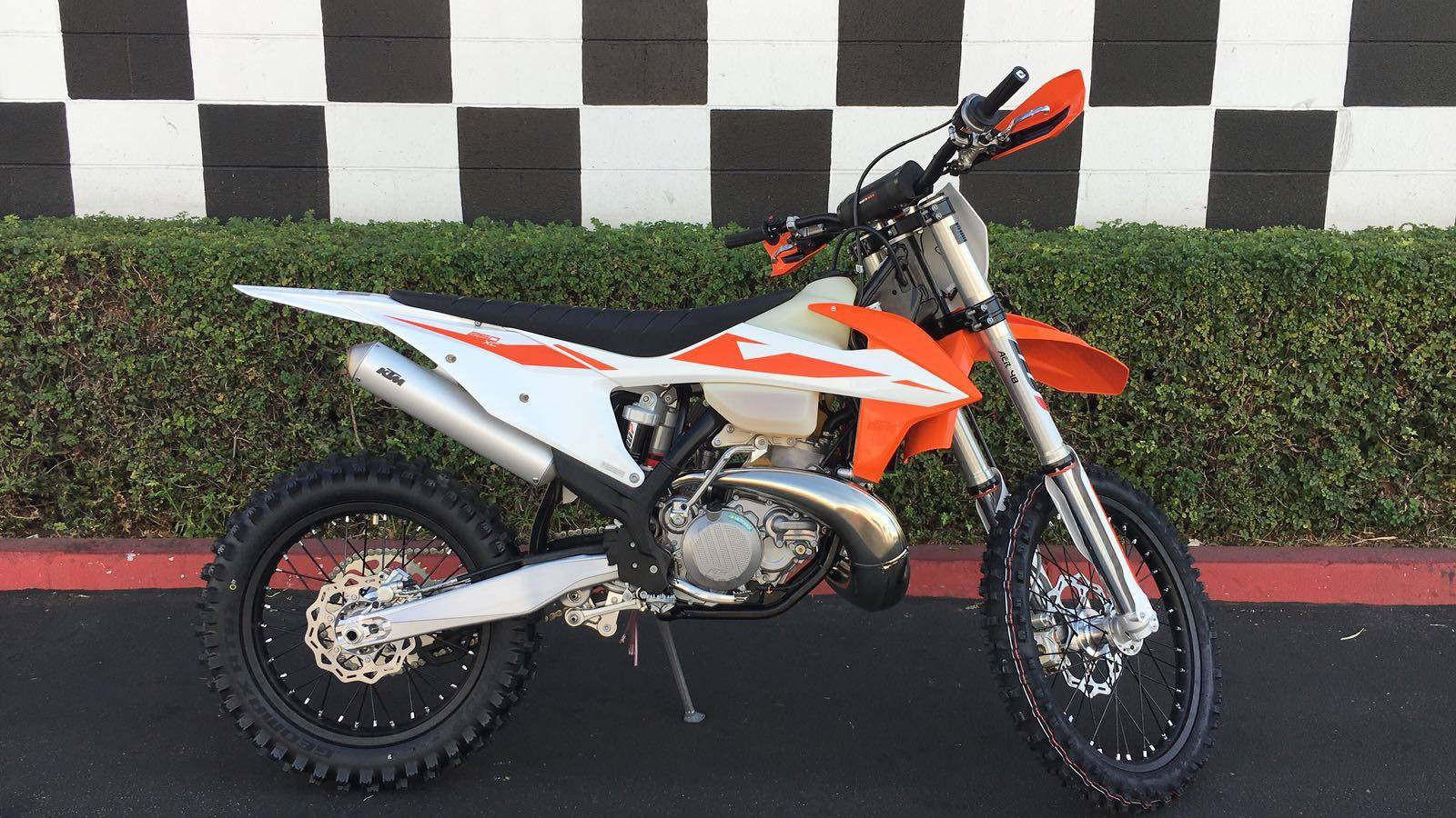 2019 KTM 250 XC in Costa Mesa, California - Photo 1