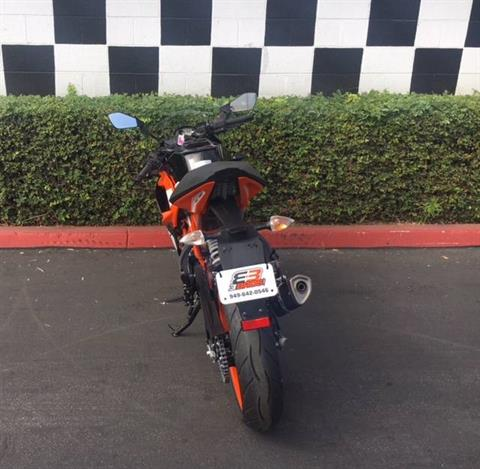 2019 KTM RC 390 in Costa Mesa, California - Photo 4