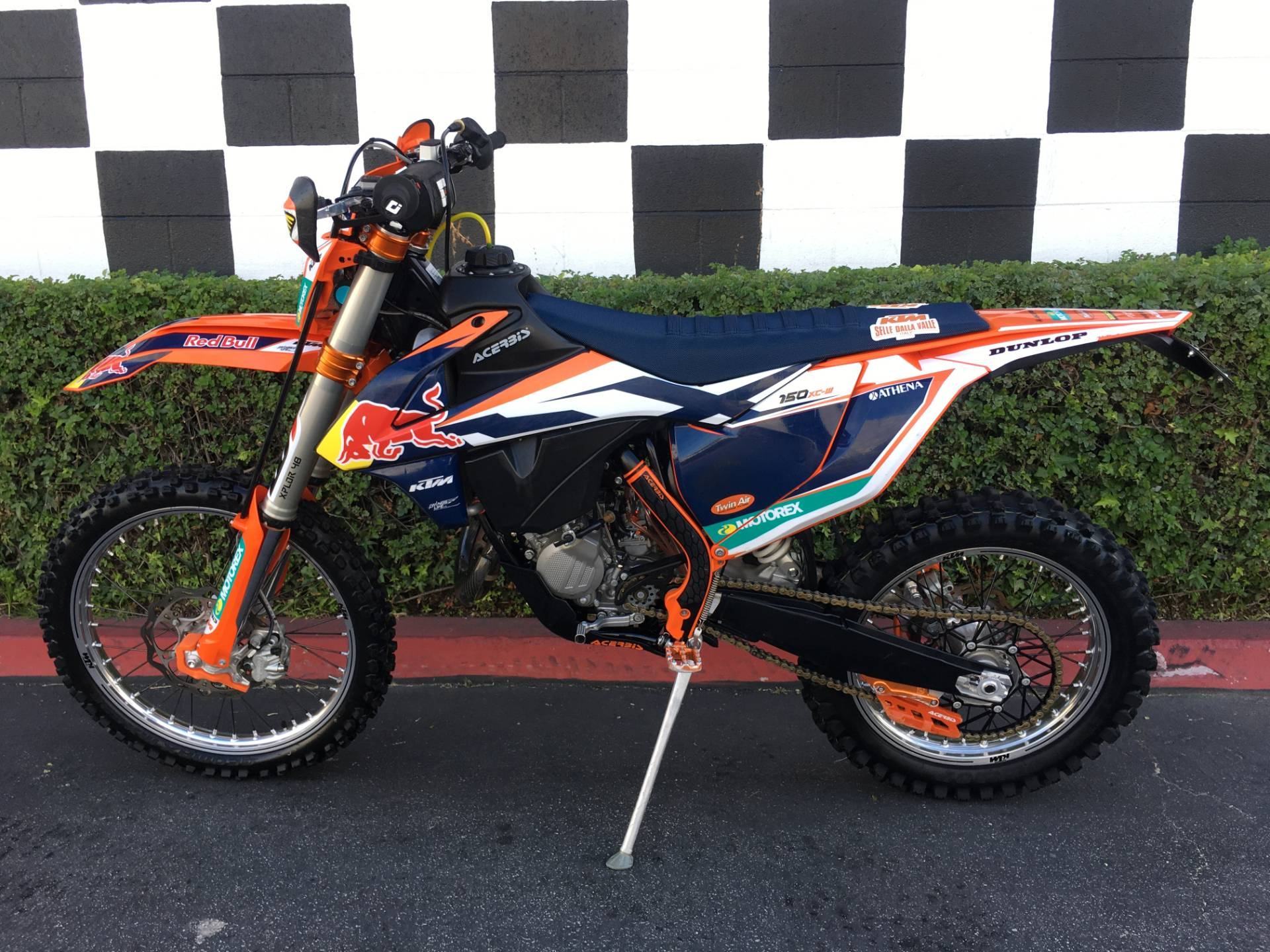 2017 KTM 150 XC-W in Costa Mesa, California - Photo 2
