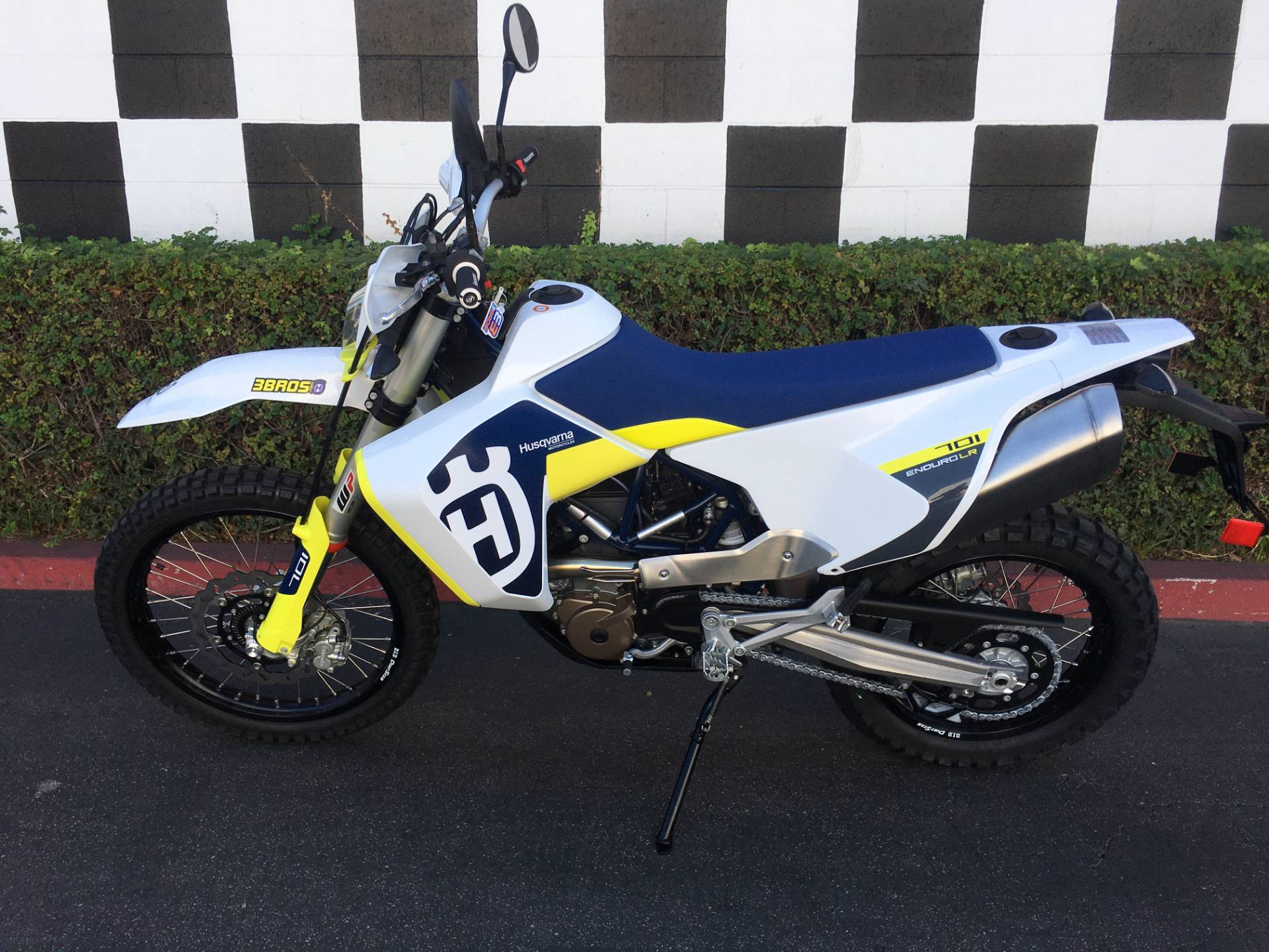 2020 Husqvarna 701 Enduro LR in Costa Mesa, California - Photo 2