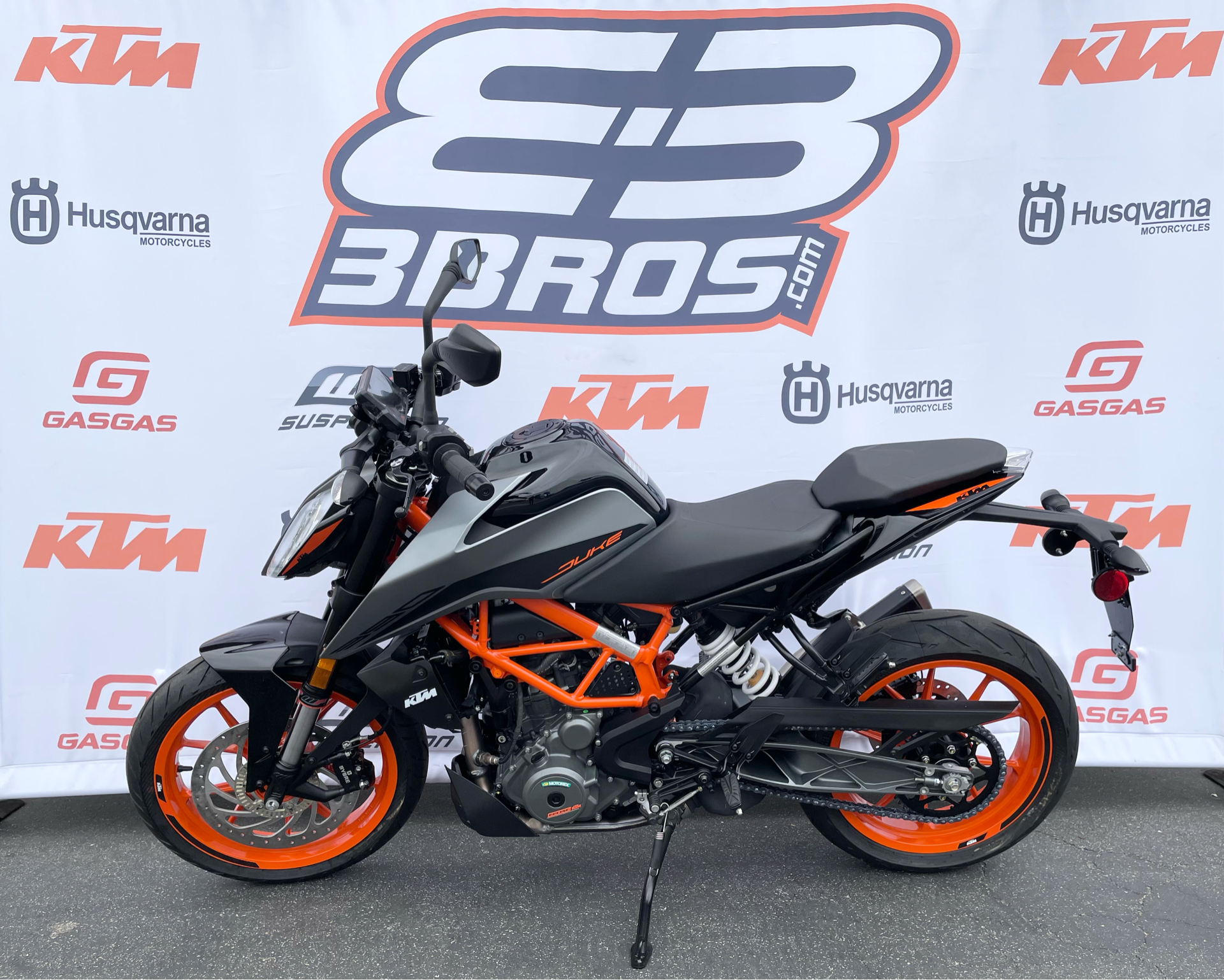 2021 KTM 390 Duke in Costa Mesa, California - Photo 3
