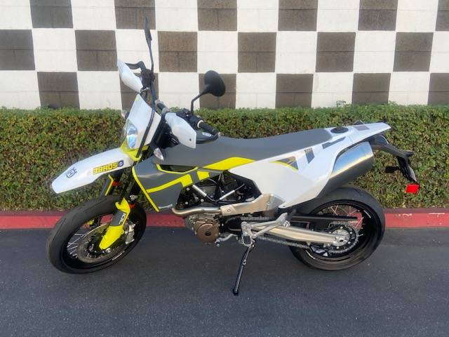 2020 Husqvarna 701 Supermoto in Costa Mesa, California - Photo 2