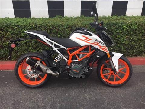 2017 KTM 390 Duke in Costa Mesa, California