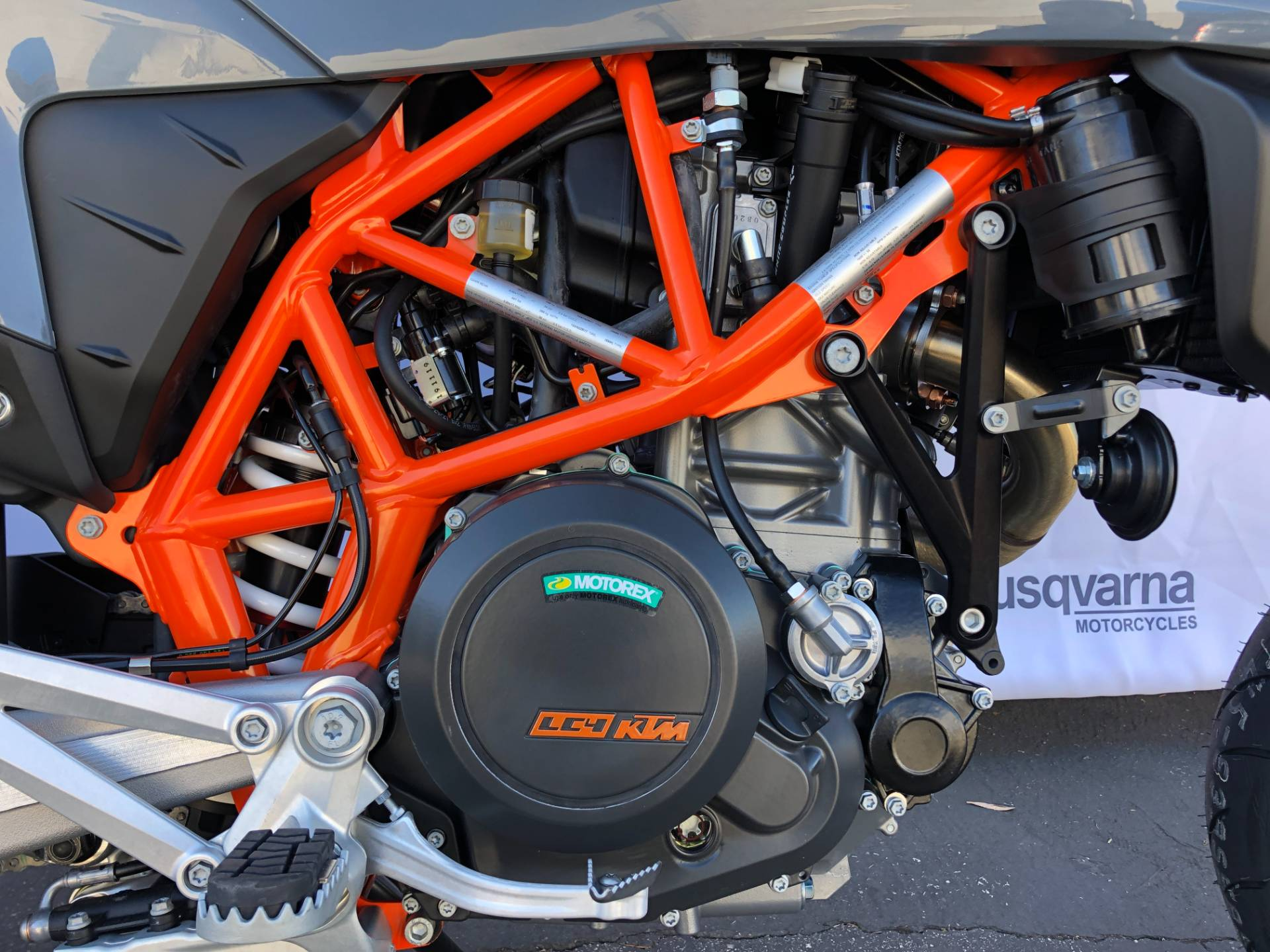 2021 KTM 690 SMC R in Costa Mesa, California - Photo 3