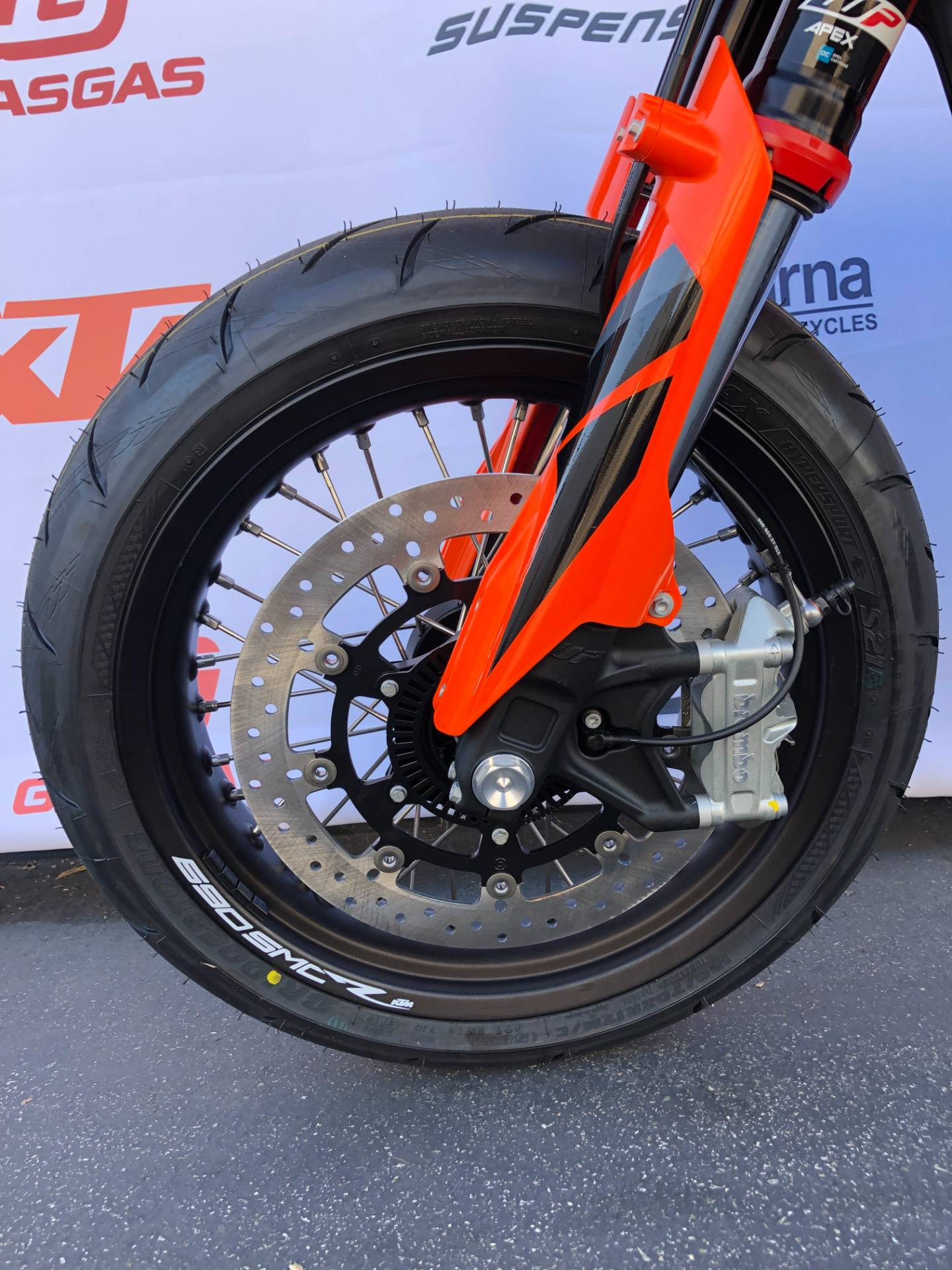 2021 KTM 690 SMC R in Costa Mesa, California - Photo 9