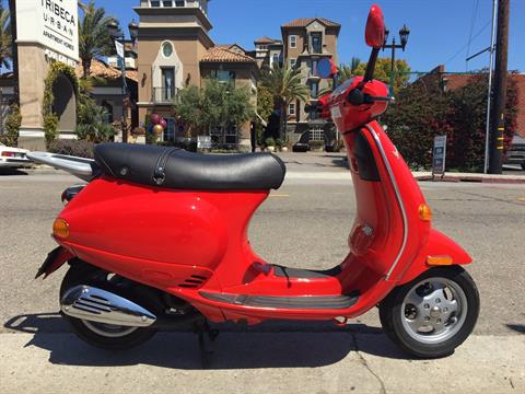 2004 Vespa ET2 in Marina Del Rey, California