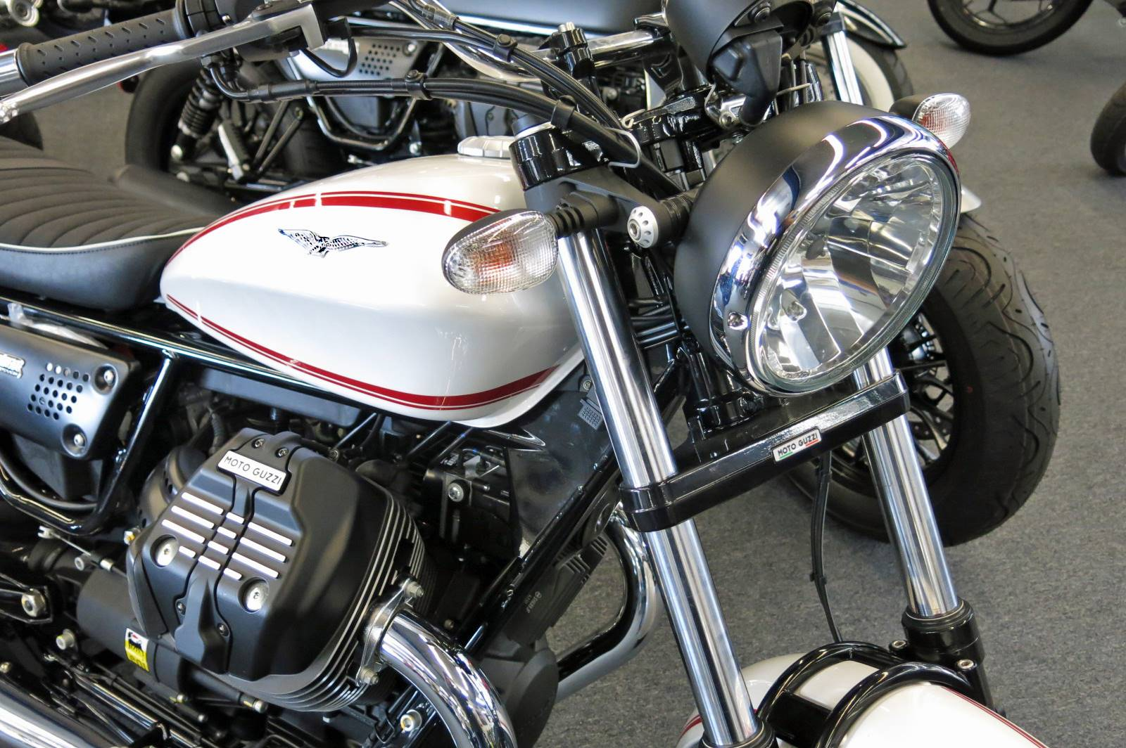 PCH Powersports Marina del Rey MOTO GUZZI - Photo 3